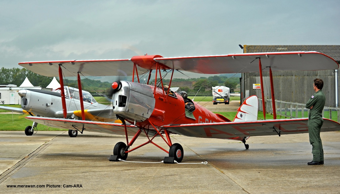 Tiger Moth and Chipmunk ready to roll