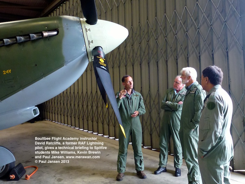 Boultbee Flight Academy Spitfire course students receive a rundown on the legendary WWII aircraft from ex-RAF fighter pilot David Ratcliffe.